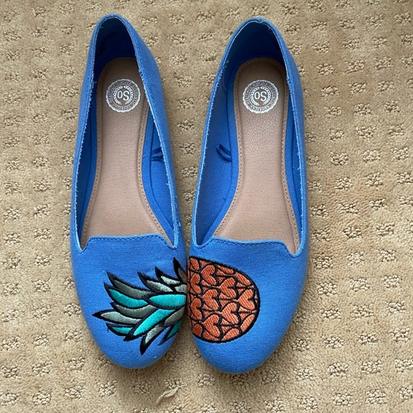 SO Shoes - Almost new blue flats with pineapple design